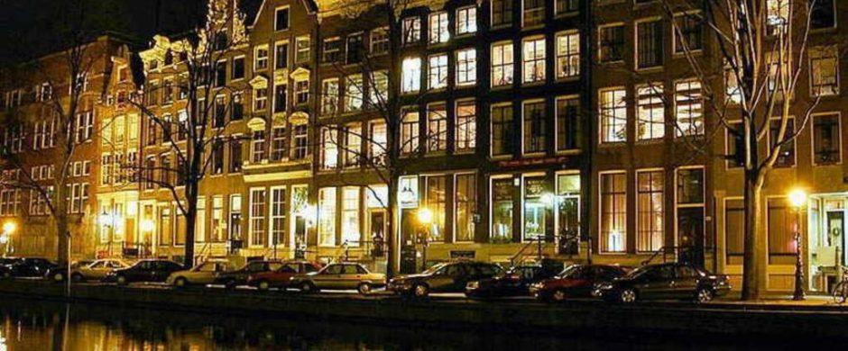 Unique Canal View Apartment – 8Pax